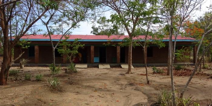 Scholenbouw in Salima District